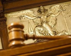 Кандидат в депутати програв суд кримській газеті «Огни маяка»