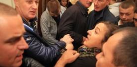 У Вінниці невідомі напали на журналістів під час прес-конференції екс-регіонала