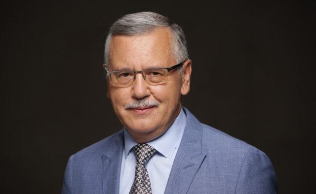 Гриценко закликав Зеленського вийти на дебати в прямому ефірі