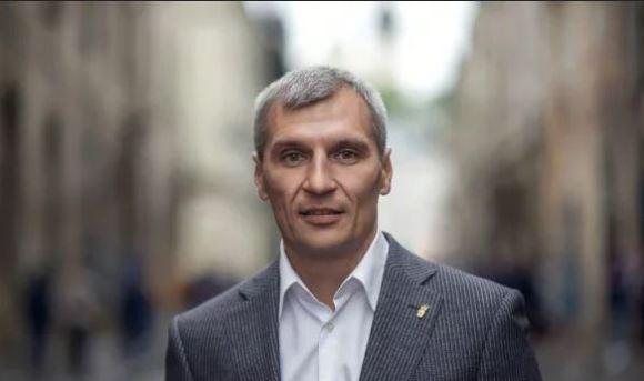 Руслан Кошулинський: Треба заборонити політичну рекламу у ЗМІ за три місяці до початку та впродовж усієї виборчої кампанії